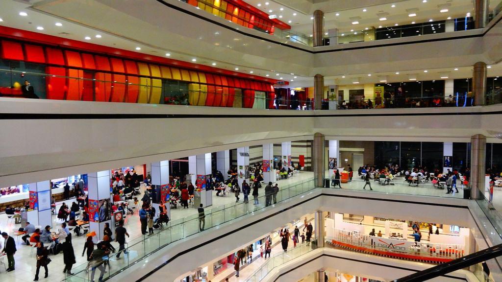 Koroush Shopping Center on quieter days. Credit: Skyscrapercity.com